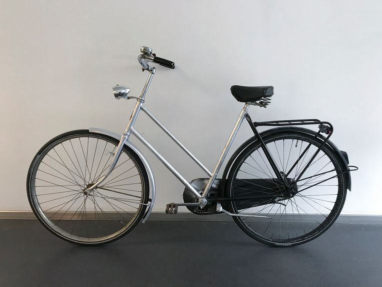 Dezelfde fiets opgeknapt.  Beeld