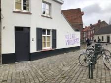 Graffiti besmeurt gevel langs Westmeers in Brugge