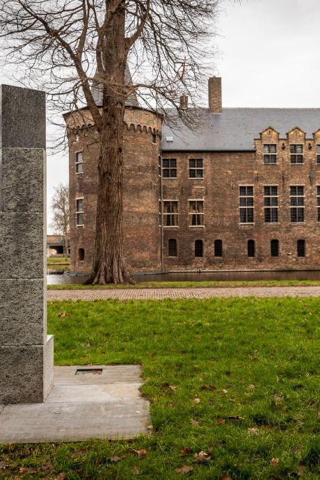 Even bescheiden als perfect: het beeld van André Volten in de kasteeltuin Helmond