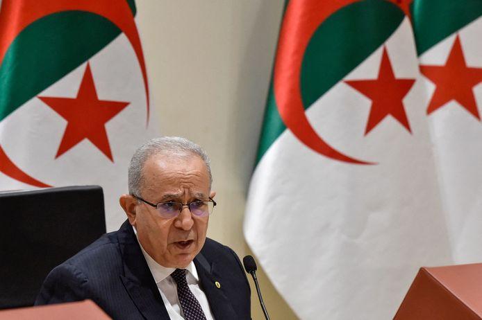 De Algerijnse minister van Buitenlandse Zaken Ramtane Lamamra maakt de beslissing bekend.