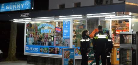 Eigenaar avondwinkel Sunny jaagde overvallers weg met stok