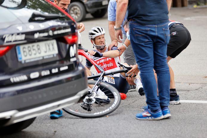 Pieter Weening na zijn valpartij bij de Ronde van Italië.