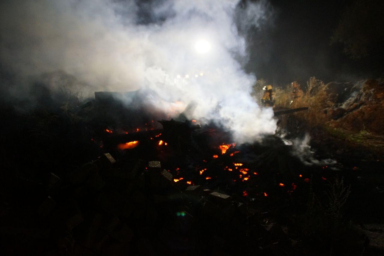 Brand in een graskuil in Sinderen.