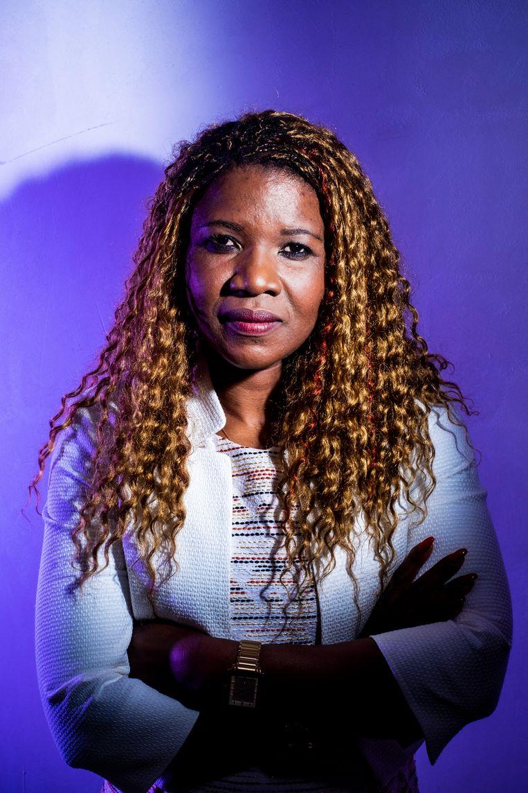 Marie Bamutese, vrouw van VRT-journalist Peter Verlinden, is gevlucht voor de genocide in Rwanda. Beeld Stefaan Temmerman