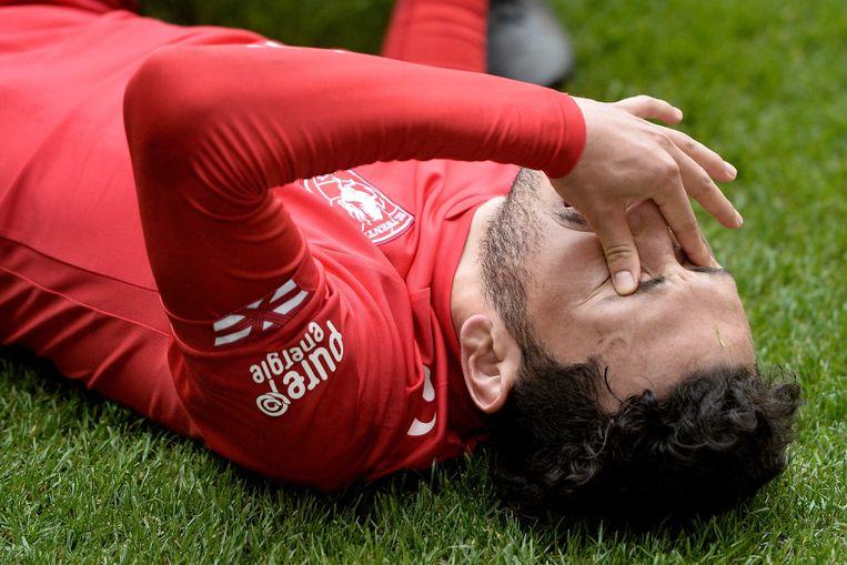 FC Twente-speler Cristian Cuevas op het veld na het verlies.  Beeld ANP Pro Shots