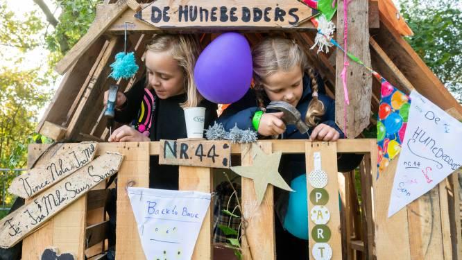Na een bouwstop van een jaar timmeren de kinderen uit Bemmel er weer lustig op los; 'Fantastisch hen weer bezig te zien'