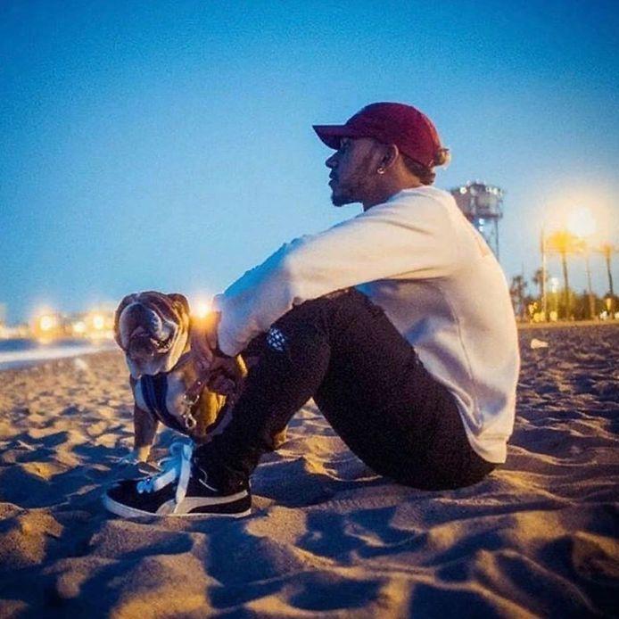 Lewis Hamilton en z'n hond Roscoe