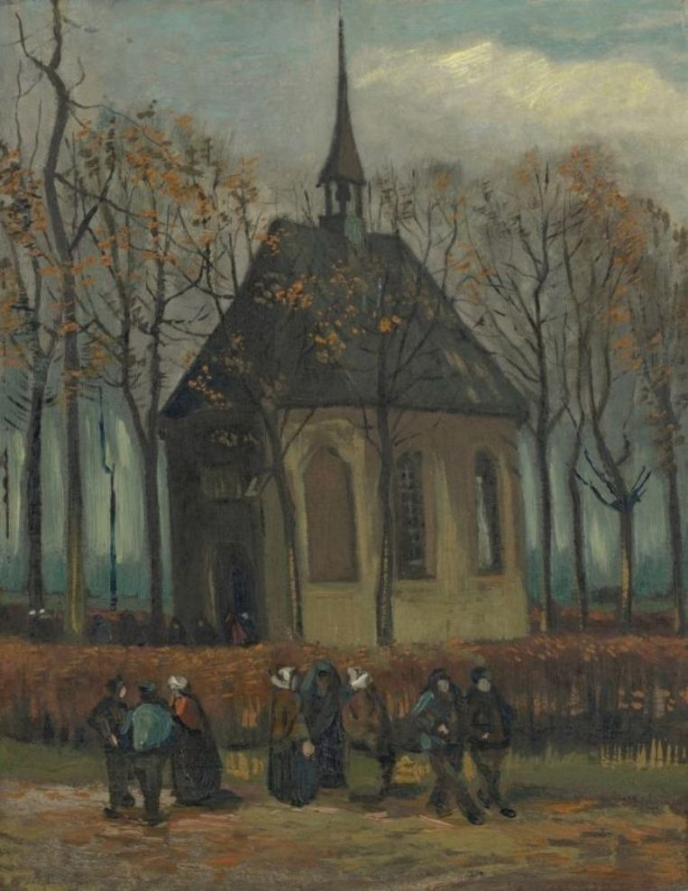 'Het uitgaan van de Hervormde Kerk te Nuenen' uit 1884.De kerk staat er nu nog altijd even schilderachtig bij. Beeld Van Gogh Museum, Amsterdam (Vincent van Gogh Stichting)