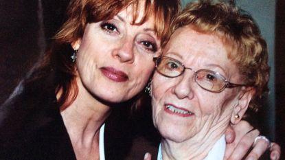 """Liliane Saint-Pierre zorgt in lockdown voor mama (93) en stiefvader (96): """"Ik mis mijn man nu heel erg"""""""