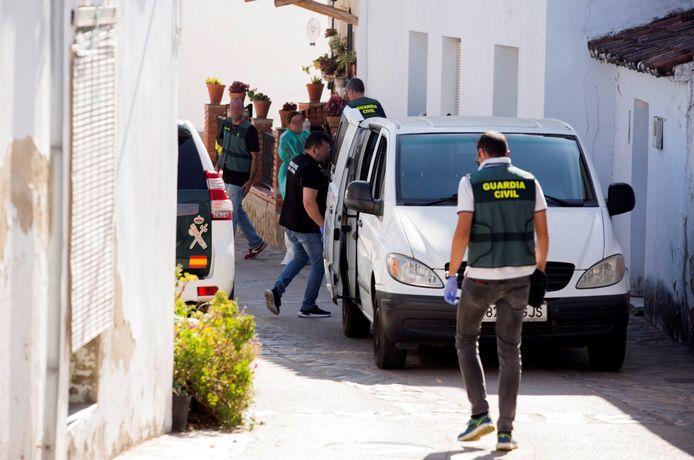 De broer van Anna vond het lichaam van zijn 58-jarige zus dinsdag in haar huis in Tolox, een gemeente in Malaga.