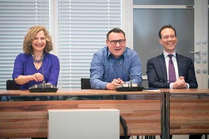 Formateur Edith Schippers met Groep de Mos-leider Richard de Mos en VVD-voorman Boudewijn Revis.