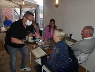 """Ook de restaurants bedienen eerste klanten: """"Hier zit je altijd droog"""""""