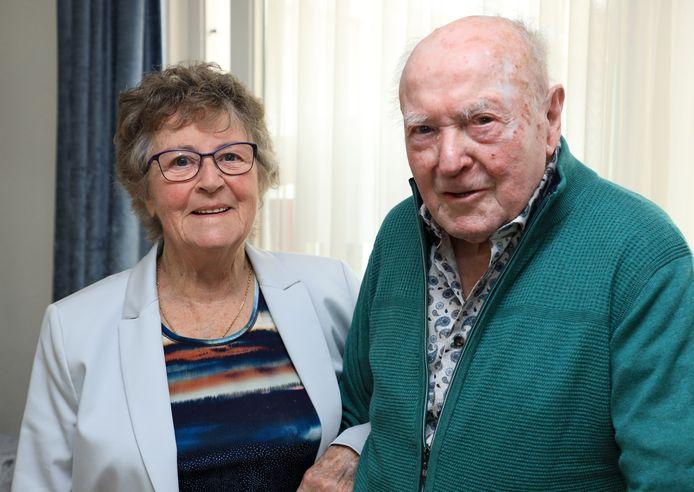 Ada en Eduard Wullems uit Kloosterzande vierden hun 65-jarig huwelijk.
