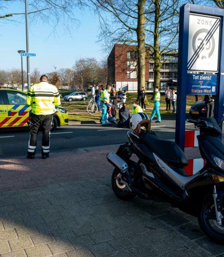 Scooterrijder gewond door botsing in Oosterhout