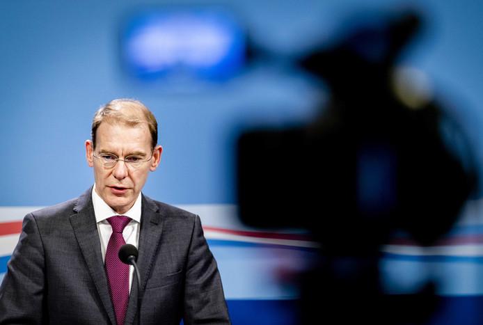 Staatssecretaris Menno Snel van Financiën vrijdag tijdens zijn persconferentie over de kinderopvangtoeslagaffaire en schadevergoeding voor de klanten van het Eindhovense gastouderbureau Dadim