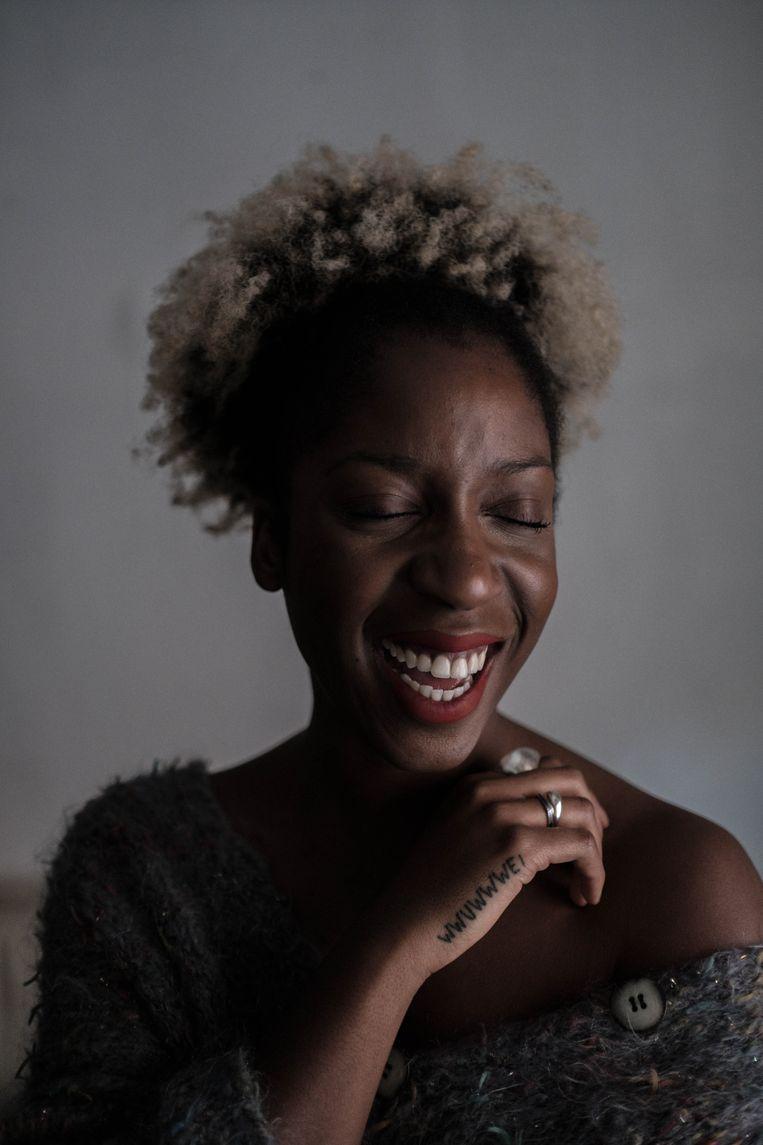 Charlotte Adigéry: 'Onlangs werd ik in de krant voorgesteld als 'het nichtje van Coely'. Maar het enige wat haar en mij bindt, is onze huidskleur.' Beeld Wouter Van Vooren