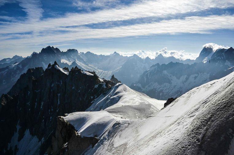 Alpinisten op de Mont-Blanc in Chamonix in het oosten van Frankrijk. Beeld AFP