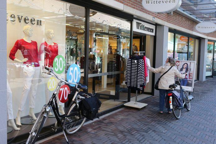 De vestiging van Witteveen in Houten opende vandaag gewoon de deuren.