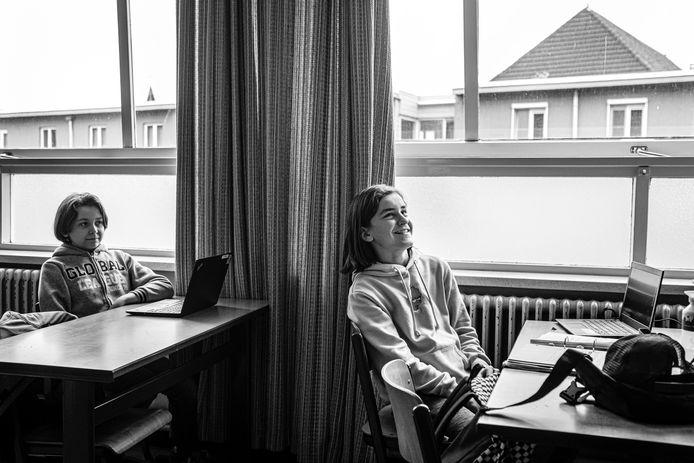 Sint-Laurens uit Zelzate en Wachtebeke wil er via een eigen systeem voor zorgen dat alle leerlingen uit de zogenaamde bovenbouw over een laptop beschikken.