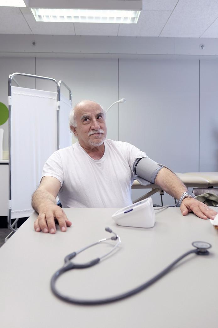 Mohamad-Rafat Jomah (65) is via Turkije en Griekenland naar Europa gevlucht en zit nu op De Kruisberg.