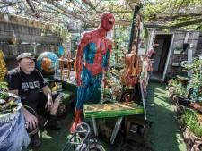 Dwaalhaas leeft niet van maar wel dankzij zijn kunst: 'Dingen hoeven niet veel te kosten'