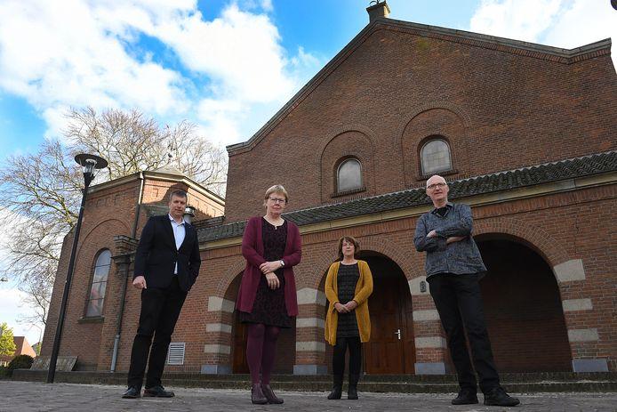 Drijvende krachten achter verbouwing van Kerk naar Gemeenschapshuis: Wiljan Laarakkers; Maria Venhuizen; Susan Nabuurs en Henk van Raaij.