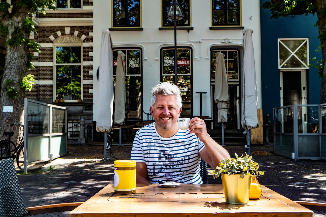 Martijn Gerretsen in het begin van de coronaperiode, voor zijn horecazaak Samen.