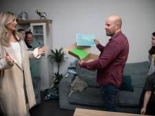 Afscheidscadeau van 3000 euro: één keer is 'Appie' niet de pakketbezorger, maar de gelukkige ontvanger