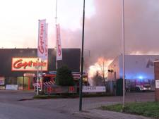 Grote brand Carpetright in IJsselstein onder controle