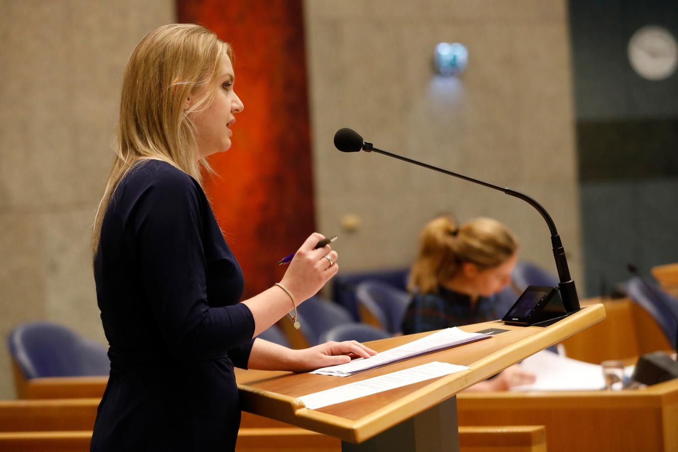 Femke Merel van Kooten (PvdD) tijdens het wekelijks vragenuur in de Tweede Kamer.