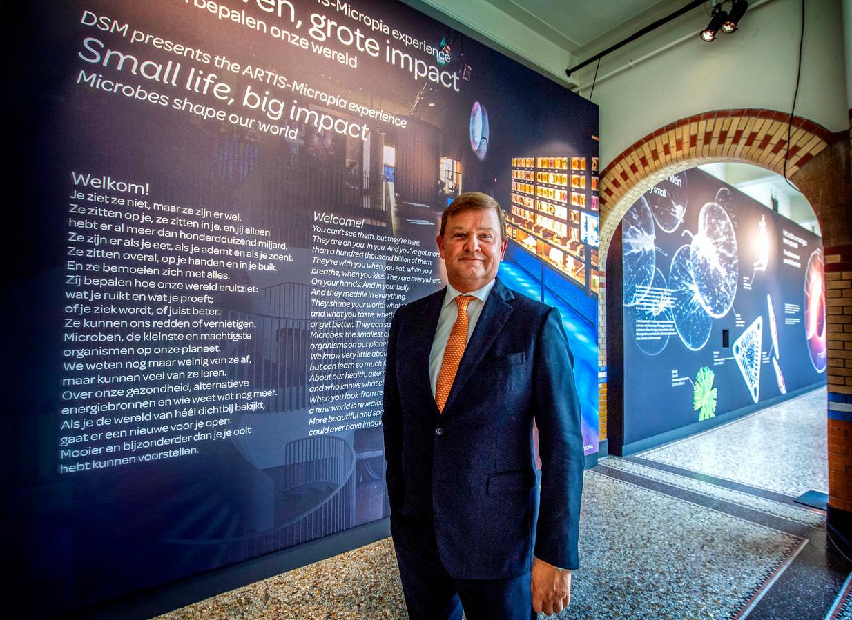 Feike Sijbesma in 2019 tijdens een expositie in teken van 150 jaar biotechnologie.