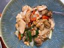 Kip in de wok met cashewnoten, ananas en groenten
