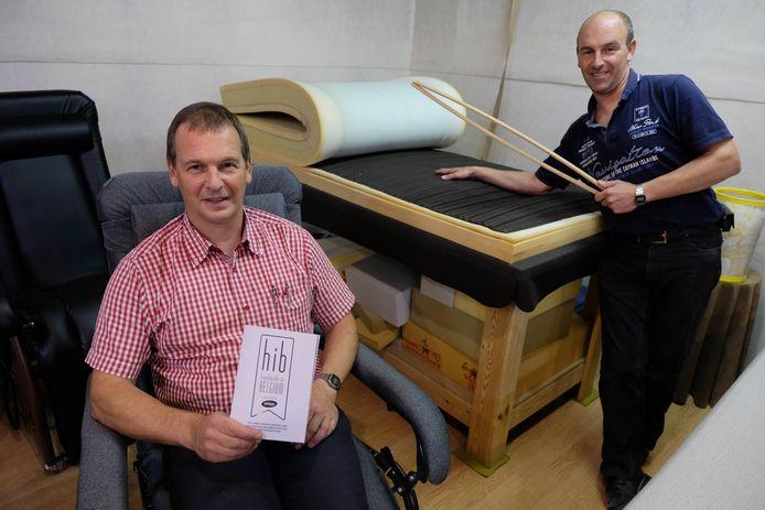Johan en Andy De Bock van J&A zijn trots op het Handmade in Belgium label dat ze onlangs kregen van Unizo.