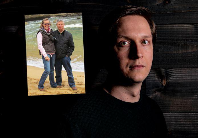 Kees Onvlee verloor door corona in één week zijn moeder Fenneke en vader Peter.