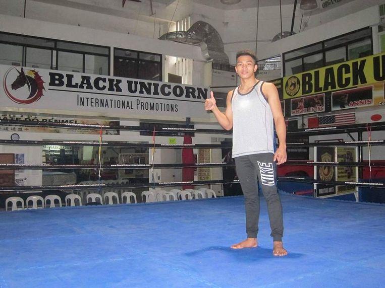 De sparringkamp vond plaats in een gymzaal even buiten Manila.