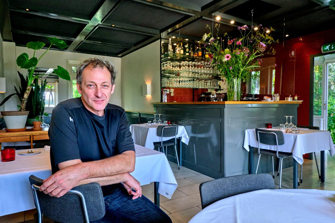 Chefkok Ewout Faase in het restaurant.
