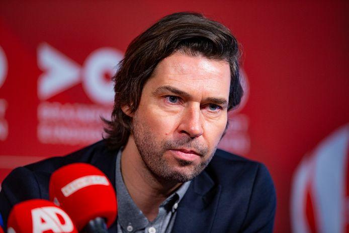 John de Jong blijft tot medio 2024 verbonden aan PSV.