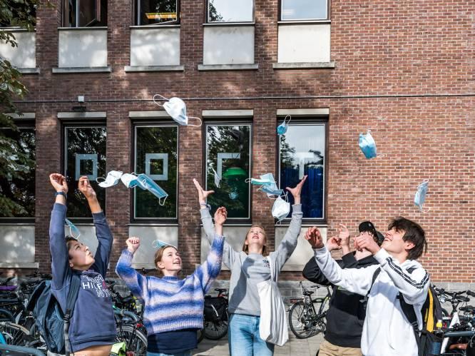Nu de mondmaskers op school verdwijnen: mogen leerlingen weer samen in de refter lunchen? Wat met praktijklessen? En mogen ze af op de schoolbus?