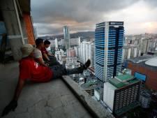 """Ils vivent dans un immeuble de 45 étages, sans eau, sans électricité et sans fenêtre: """"Ils devraient nous servir d'exemple"""""""