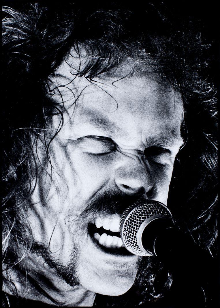 Zanger-gitarist James Hetfield in 1992, ten tijde van de twee jaar durende 'black album'-tournee. Beeld Getty Images