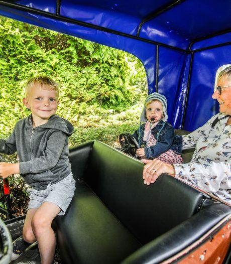 """Boudewijn Seapark ziet kinderen met mondjesmaat afkomen: """"Enkel ballenbad en botsauto's zijn niet open, maar dolfijnenshow gaat wel door"""""""