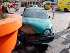 Veel mensen zagen auto terras in Veldhoven op rijden: 'Een uur later en er waren doden gevallen'