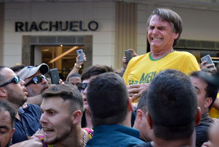 Jair Bolsonaro werd in september nog neergestoken tijdens een verkiezingsbijeenkomst. Beeld REUTERS