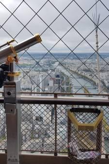Doodzieke Ytsen (23) uit Deventer beklom vandaag de Eiffeltoren: 'Dit hadden we nooit durven dromen'