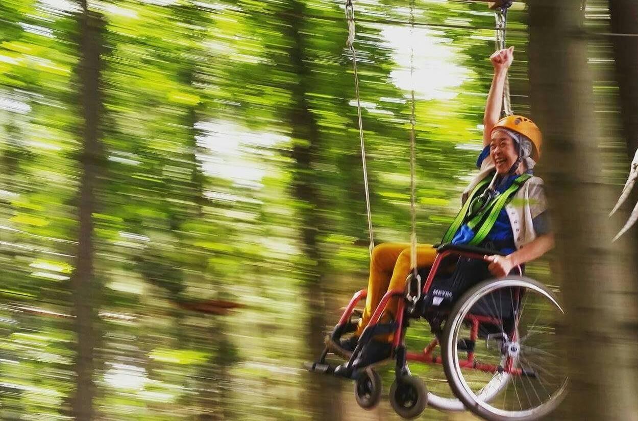 In het klimbos van Rocks 'n Rivers aan het Gorps Baantje in Goirle is ook een route uitgezet voor rolstoelers.