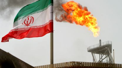 """Iran waarschuwt voor stijgende olieprijzen wereldwijd door Amerikaanse sancties: """"Pijnlijke maanden voor consumenten"""""""
