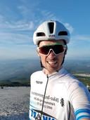 Pieter op de top van de Mont Ventoux