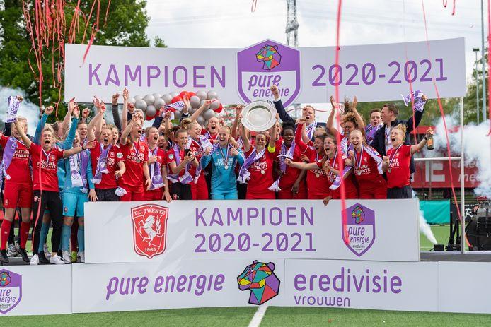 FC Twente viert de titel.