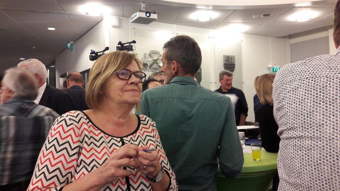 Verkiezingsavond in Steenbergen in maart 2018 waarbij GewoonLokaal! als verkiezingswinnaar uit de bus kwam. Op de foto huidig wethouder Wilma Baartmans van GewoonLokaal!.