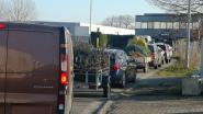 Stormloop naar heropende containerparken: strikt noodzakelijk lijkt heel rekbaar begrip